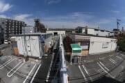 【画像】俺たちのセブンがまたやりやがった!今度はセブンの駐車場にセブンを建設!