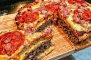 【画像】アメリカ人「ピザも食いたいけどハンバーガーも食いたいなぁ…せや!」